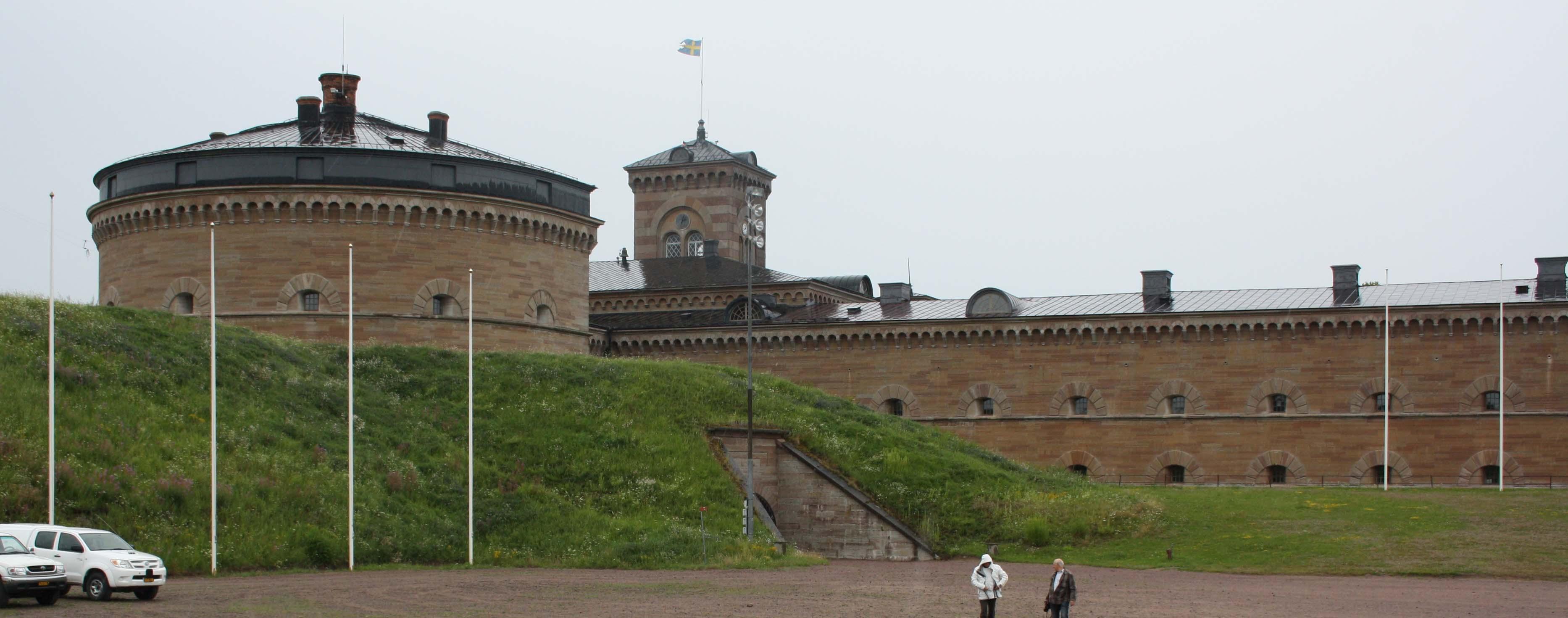 karlsborg men År 1870 var karlsborgs fästning i fungerande skick men först  då vaberget cirka fem kilometer från karlsborg skulle vara ett hot om det utnyttjades av.